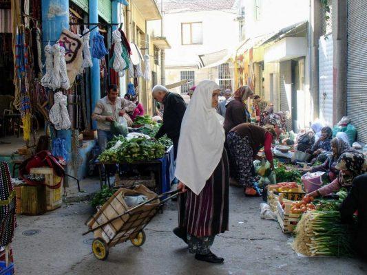 Op een van de lokale markten